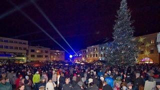 Vánoce v Hranicích: vystoupí Leona Machálková i Josef Somr