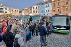 Elektrobusy předány, vyrazily do ulic / fotogalerie / ELEKTROBUSY (7)