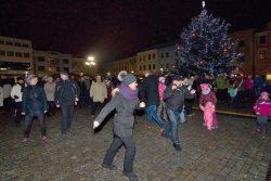 Velká fotoreportáž z vánočních trhů v Hranicích / fotogalerie / Taneční Vánoce 2.12. 2017 - vystoupení taneční skupiny Petra Münstera, foto: Jiří Necid