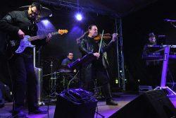 Rozsvícení stromu bylo v ladovském duchu / fotogalerie / Netradiční koncert houslového virtuosa Jiřího Erlebacha s kapelou, foto: Jiří Necid