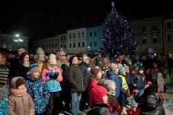 Rozsvícení stromu bylo v ladovském duchu / fotogalerie / Rozsvícení vánoční stromu na Masarykově náměstí, foto: Jiří Necid