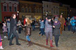 Rozsvícení stromu bylo v ladovském duchu / fotogalerie / Vystoupení taneční skupiny Přátelé swingového tance, foto: Jiří Necid