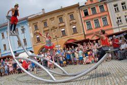 Fotoreportáž: Hraničané slavili výročí celý den / fotogalerie / Oslavy 850 let Hranic - OnTheRoad - Pouliční akrobatická show, foto: Jiří Necid