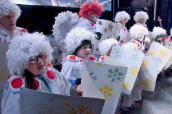 Letošní Vánoce v Hranicích vypuknou 3. prosince / fotogalerie / Andělské Vánoce na Masarykově náměstí - andělský sbor, foto: Jiří Necid