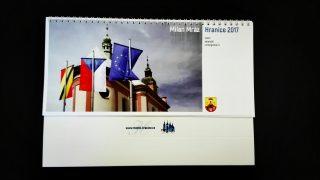 Tip na dárek: Nový kalendář v prodeji