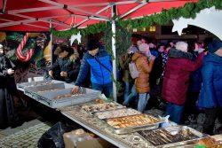 Velká fotoreportáž z rozsvícení vánoční stromu / fotogalerie / Program Andělských Vánoc a rozsvícení vánoční stromu, foto: Jiří Necid