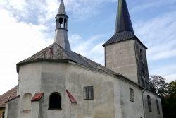 Tip na výlet: procházka Skalním městem / fotogalerie / Kostel sv. Bartoloměje s působivou atmosférou se nachází v historickém centru Potštátu.