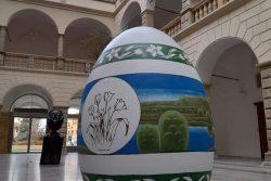 Ve dvoraně zámku je rekordní vejce / fotogalerie / Obři kraslice ve dvoraně hranického zámku, foto: archiv MKZ Hranice