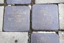 """Hranické rarity: od poháru až po meteostanici """"žába"""" / fotogalerie / Stolpersteine - kameny zmizelých, foto: Kateřina Macháňová"""