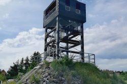 Flascharův důl: adrenalin i dobrodružství / fotogalerie / Nedaleká Veselská rozhledna ve tvaru šachové věže, foto: Kateřina Macháňová